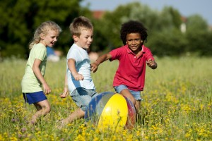 children-plauing
