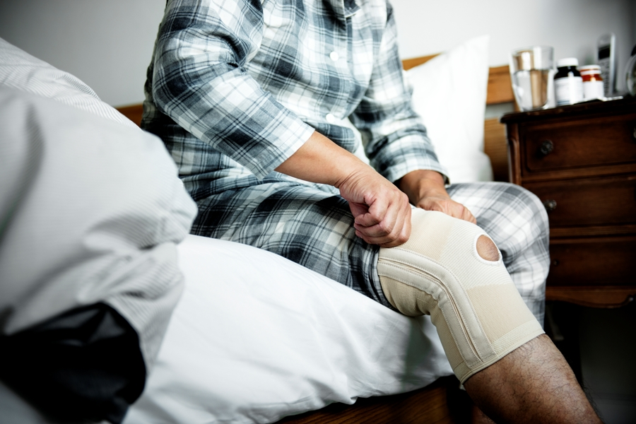 bandaged knee for treatment for lyme arthritis